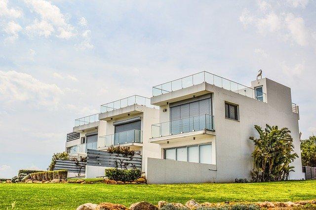 מתכננים חנייה פרטית: המדריך השלם לבעל הבית הפרטי